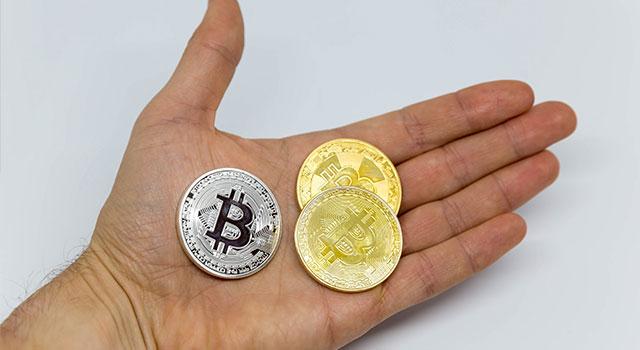 Pamětní bitcoinové mince ze zlata a stříbra